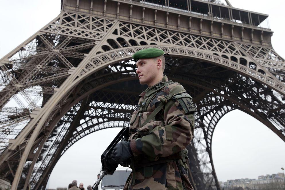 frances-terrorista-Paris-Charlie-Hebdo_LNCIMA20150107_0069_27