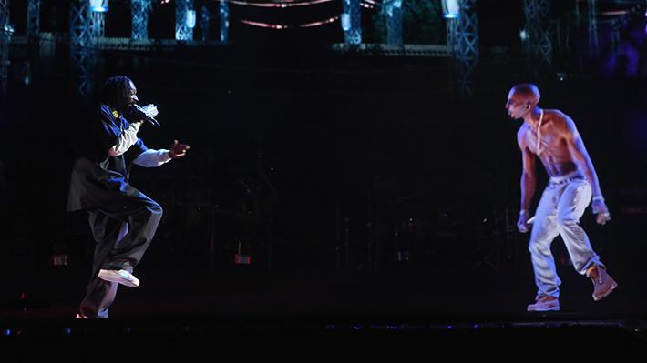 Hologramas sobre el escenario las bandas incluyen tecnología en sus giras